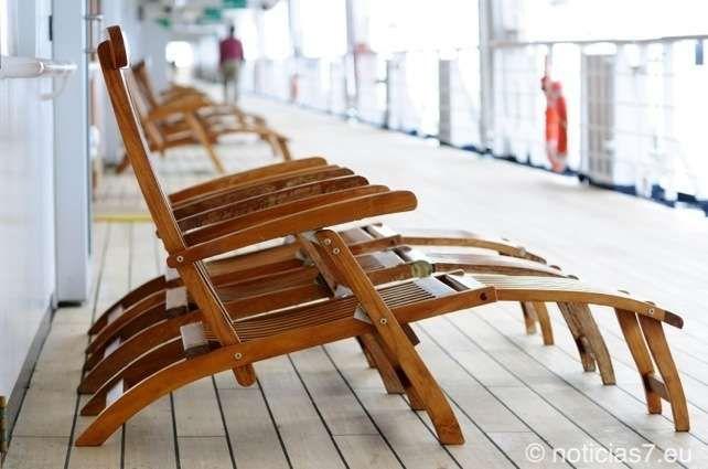 Dass immer öfter Kreuzfahrtschiffe ihren Weg auf die Kanarischen Inseln finden, ist kein Geheimnis mehr. Wer in den Häfen von Gran Canaria oder Teneriffa unterwegs ist, kann jetzt fast täglich die luxuriösen schwimmenden Hotels bewundern. Aber auch in anderen Gefilden sind die riesigen Schiffe längst zur Gewohnheit geworden. http://noticias7.eu/geschichte-entdecken-und-geschichten-erleben-auf-einer-mittelmeerkreuzfahrt/7383/