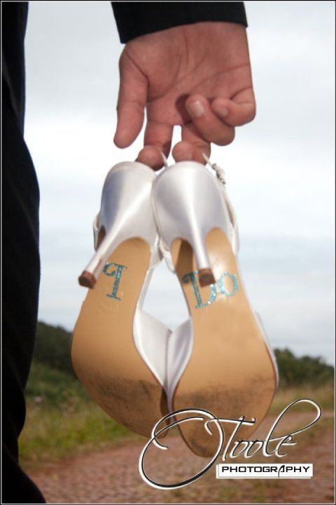 wedding shoes by www.otoolephotography.com