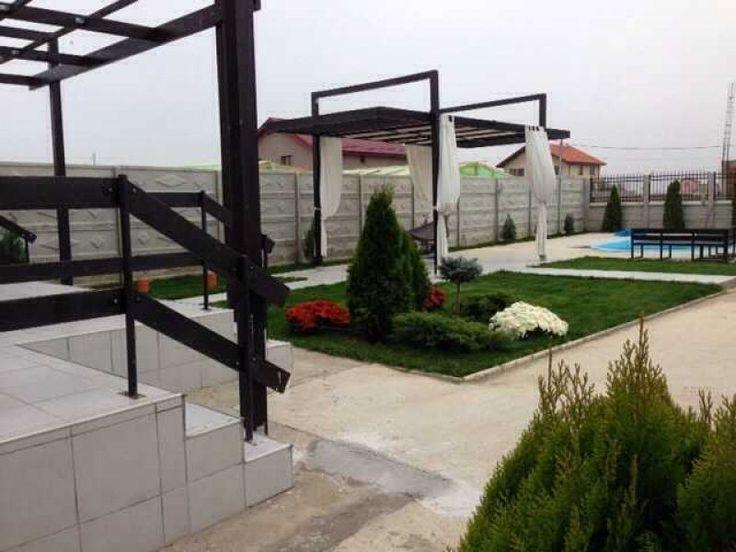 Vand vila cu piscina 6km de Piata Unirii Vila este situata pe strada Ion Slavici nr 12. Cum veniti de la Marriott tot inainte pe antiaeriana si la rondul de la antiaeriana tot inainte si vila este pe stanga.