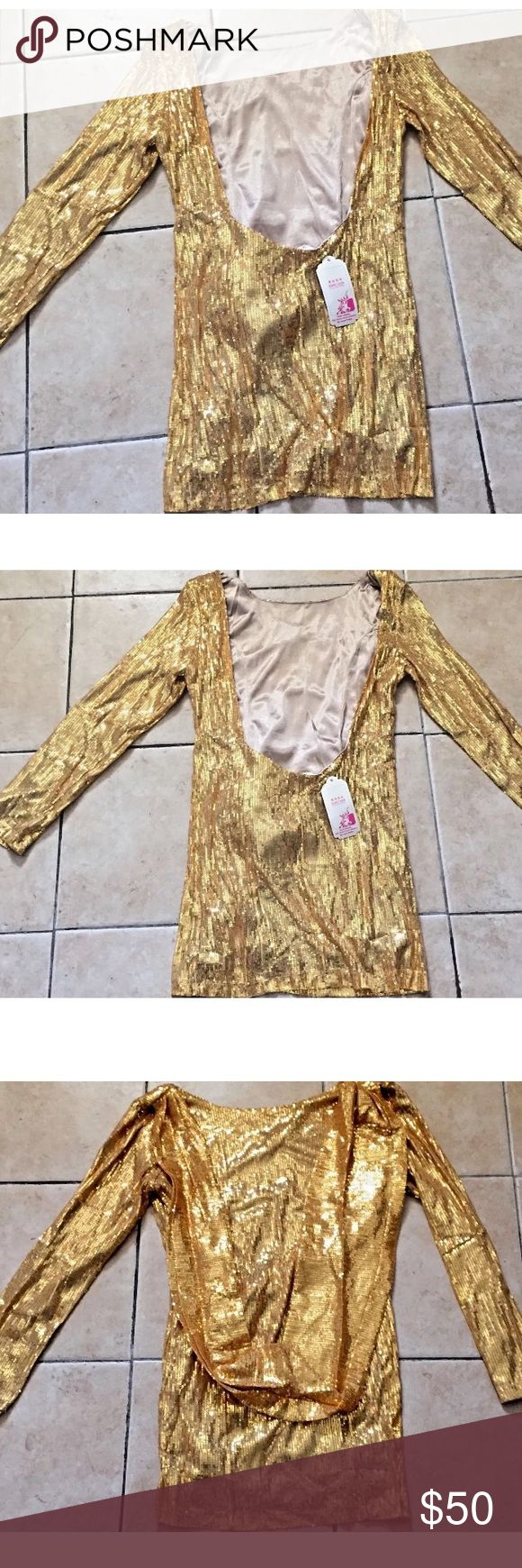 NWT Heraway Gold Women's Top Sz. L Beautiful top is great with jeans or a long skirt. Pet free smoke free home. Heraway Tops