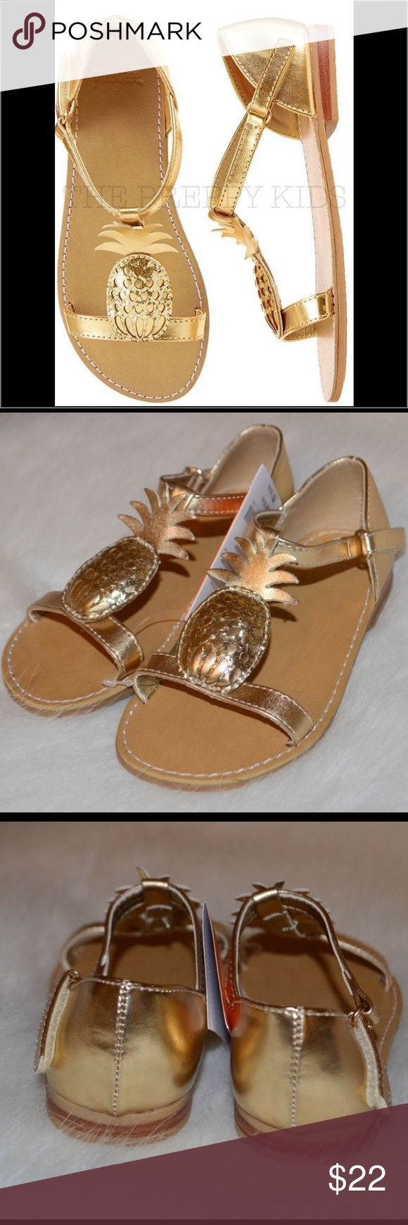 NWT Gymboree ISLAND CRUISE Gold Pineapple Sandals Metallic gold pineapple sandals that features textured 3D pineapples. They have a touch-close strap and has a textured sole. Perfect for any outfit!! ☀️☀️☀️☀️ Gymboree Shoes Sandals & Flip Flops