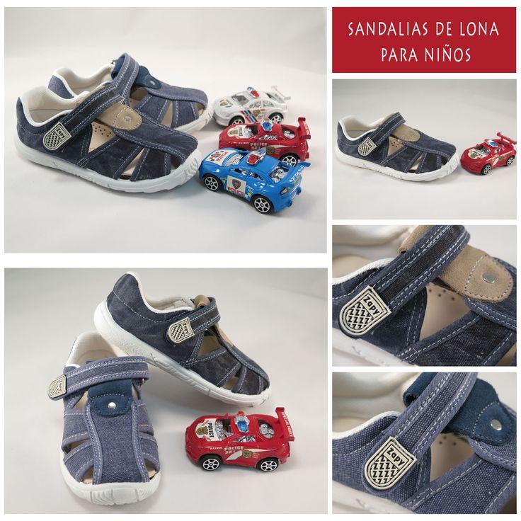 Sandalias de lona para #niño con plantilla de cuero y cierre de velcro. Moda en #calzadoinfantil