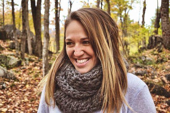 Foulard Infini gris Grey infinity scarf par echarpesetbelles, 30$