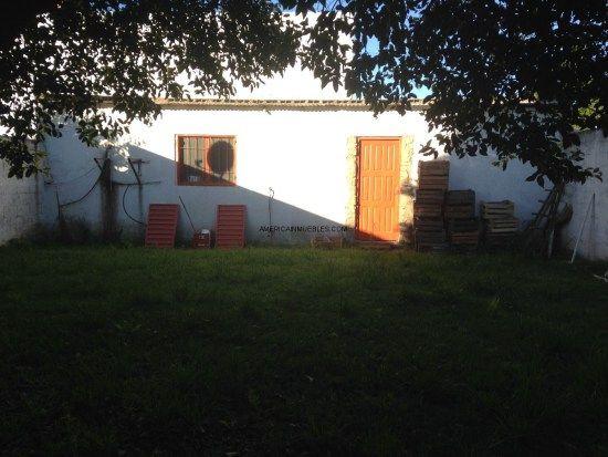 SIGMA VENDE casa en calle Garibaldi y Roberto Payro. Terreno 10X35 en esquina. 4 dormitorios 2 baños. $2.300.000 en Casas en Alquiler y Venta Río Cuarto
