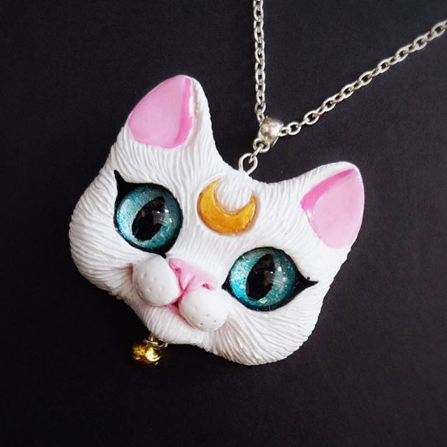 Hello friends! Sharing with you today a little piece of custom work Artemis cat from Sailor Moon anime series  polymer clay cat portrait pendant with blue sparking glass eyes  Next week I am going on a trip, I will not be posting much during next two weeks, apologies ❤️, please don't forget me while I am gone  Hope you will have a nice evening and a pawesome weekend  #catartist #catlovers #lovecats #cats #catpendant #catdoll #artdoll #dollartist #handmade