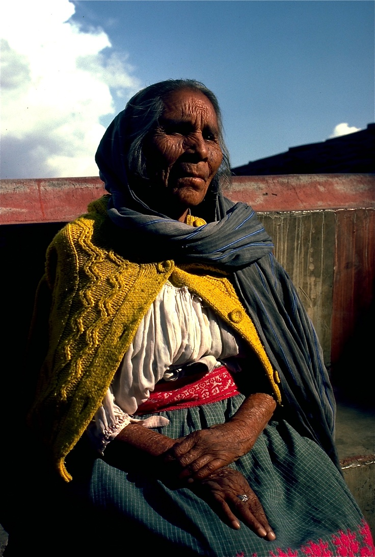 MUJER TARASCA (Purepecha people) Michoacan, Mexico
