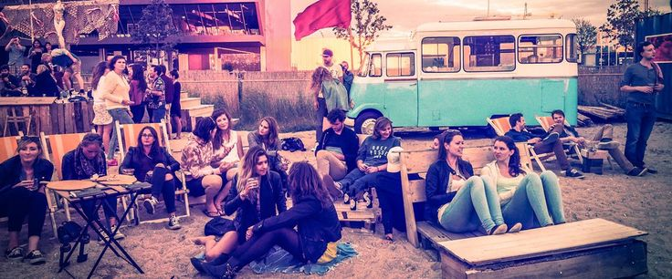 Dok Amsterdam   Eten, drinken,  feestjes, zand, yoga en meer..