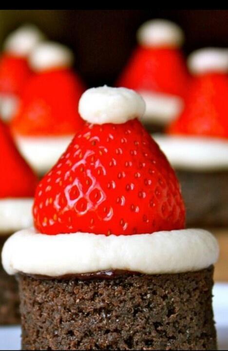 Santa StrawBerry Chocolate CupCakes