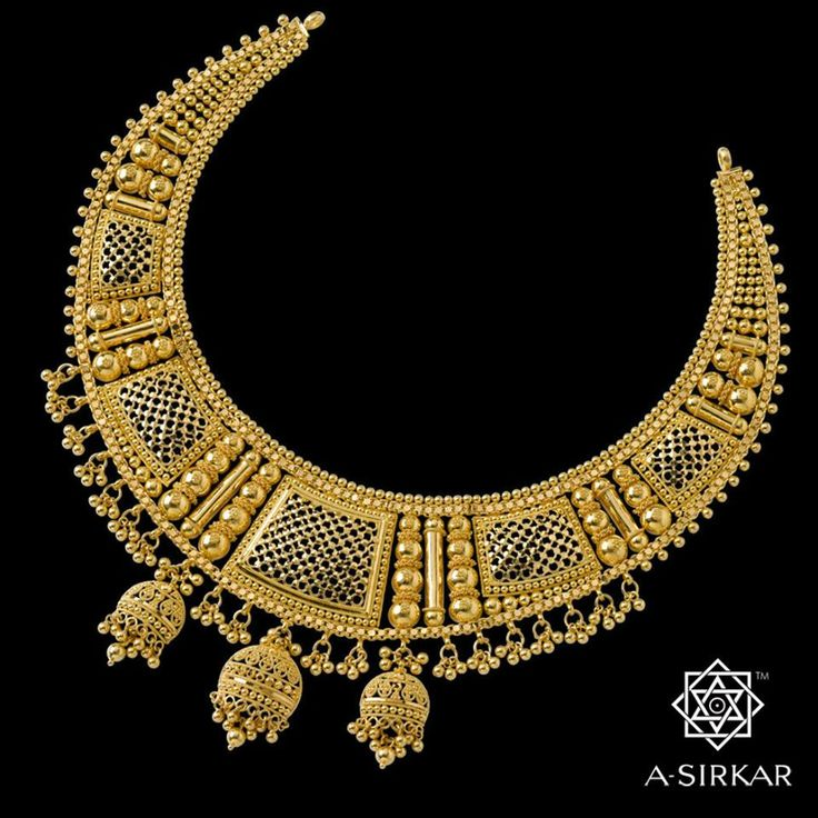 """This Jewel encapsulates the spirit of ishq as shown in our favourite film 'Barsaat Ki Raat' (1960), but more particularly immortalizes in pure guinea gold with exquisite craftsmanship the famous verse from the great qawwali 'Na To Karvaan Ki Talaash Hai': """"Tera ishq hai meri arzoo, tera ishq hai meri aabroo/ Tera ishq mein kaise chhorh doon, meri umra bhar ki talaash Hai.""""  In your honour then and in the honour of your love supreme, we present ---- Aabroo."""