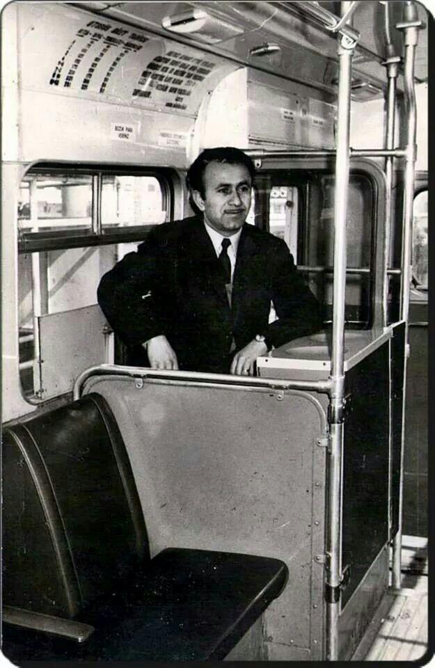 Otobüs ve Biletci. amcalardan çok biletler aldıkk bizim nesil yaşlılara saygılıı yaşlımızı yer verirdikk ..