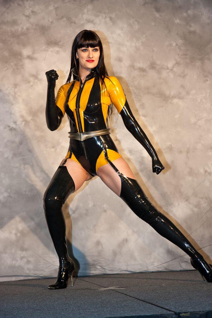 Pin en Comics: Silk Spectre (Watchmen)