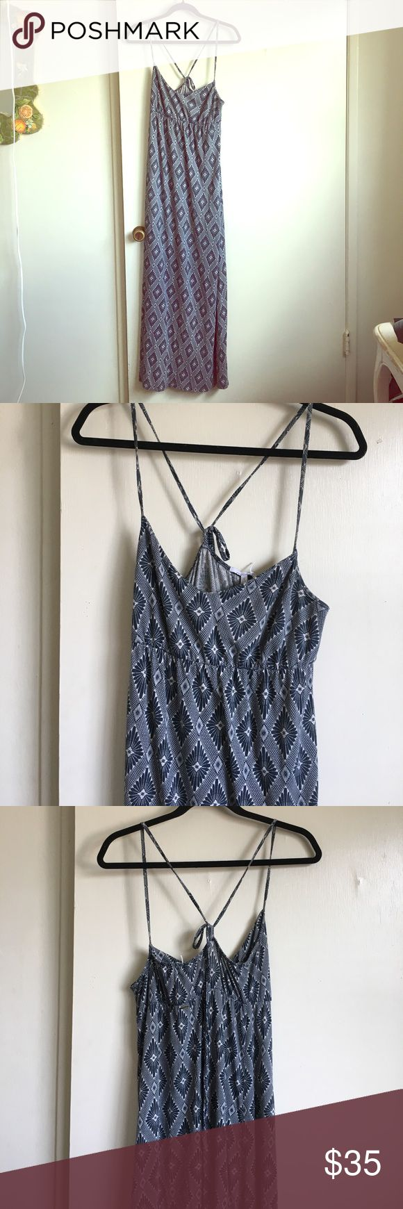 """❗️SALE ❗️Southwestern Mami Maxi Dress 🌵🌵 Unreal pattern and super flattering cut, makes the tatas look huge! Hits the floor on my 5'4"""" frame and I usually wear my clogs with this one so its the right length with them (photo at end). Very gently used, worn about 3-4 times. Brand is O'Neill randomly but felt it had a more Madewell Rustic Vibe O'Neill Dresses Maxi"""