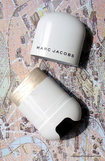 Review: Marc Jacobs Beauty Glow Stick Glistening Illuminator in Spotlight