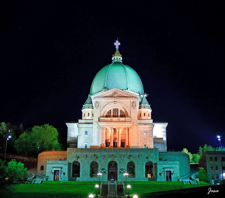St Joseph Oratory At Night   Montreal, Canada