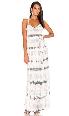 Egyszerű, lenge, batikolt ruha
