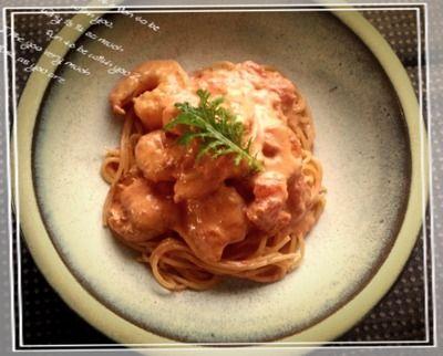 簡単海老のトマトクリームパスタ