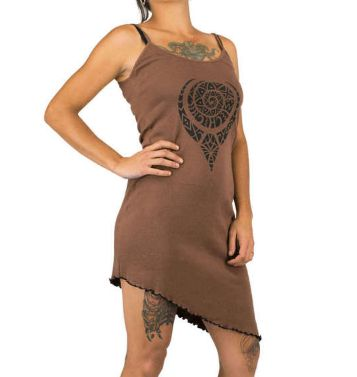 Strapless dress, asymmetric cut and braided back in Aztec tribal print tattoo style.  Small double shoulder straps. Fitted and braided in the back for a feminine and sexy touch. Asymmetric cut ends slightly at the front and back. Tribal prints with Maya / Aztec patterns Maori tattoos effects psychedelic.  Soft material pleasant to wear, elastane for comfort. This dress is perfect for the half season, or for summer, can be worn with a legging.  Original clothing, alternative fashion with a…