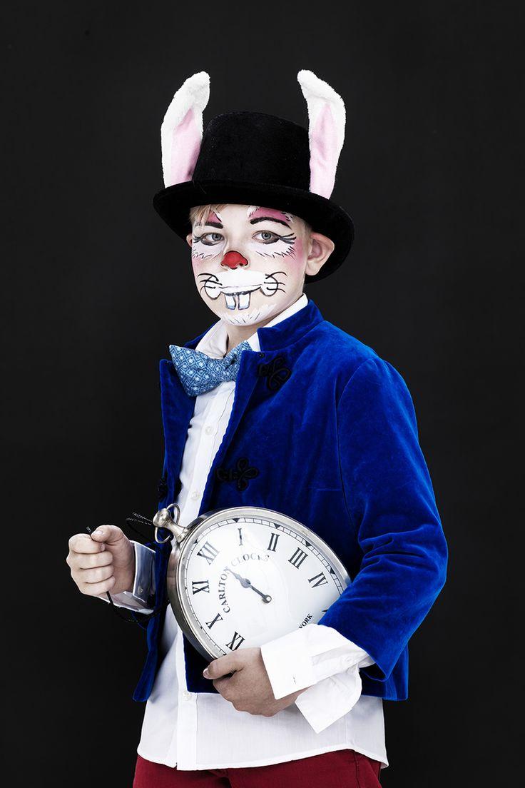 A rabbit at the masquerade www.pandurohobby.com Masquerade by Panduro #DIY #face #paint #dressup #facepaint #masquerade #rabbit #Aliceinwonderland #fastelavn