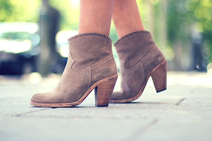 trendy_taste-look-outfit-street_style-ootd-blog-blogger-fashion_spain-moda_españa.falda_lentejuelas-pailettes_skirt-zara-cowboy_booties-botines_camperos-primavera-verano-spring-summer-dior_vintage-6