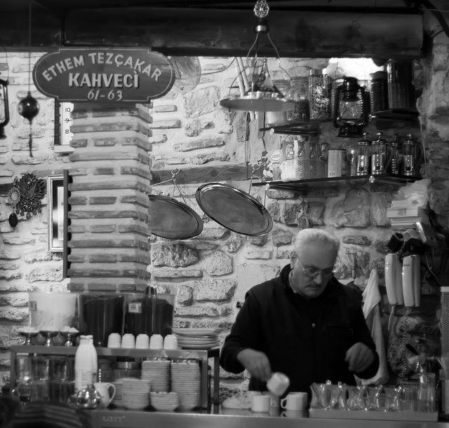 Kahveci Ethem Tezçakar: Old Tastes, New Ways - este o cafenea cu traditie, unde te poti bucura de o #cafea clasica #turceasca.