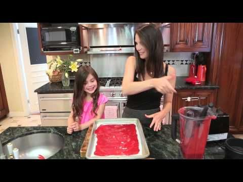 MEG | HOMEMADE FRUIT ROLL UP - YouTube - pureed fruit and honey, in oven at 225 for 3 hours. This looks so simple!