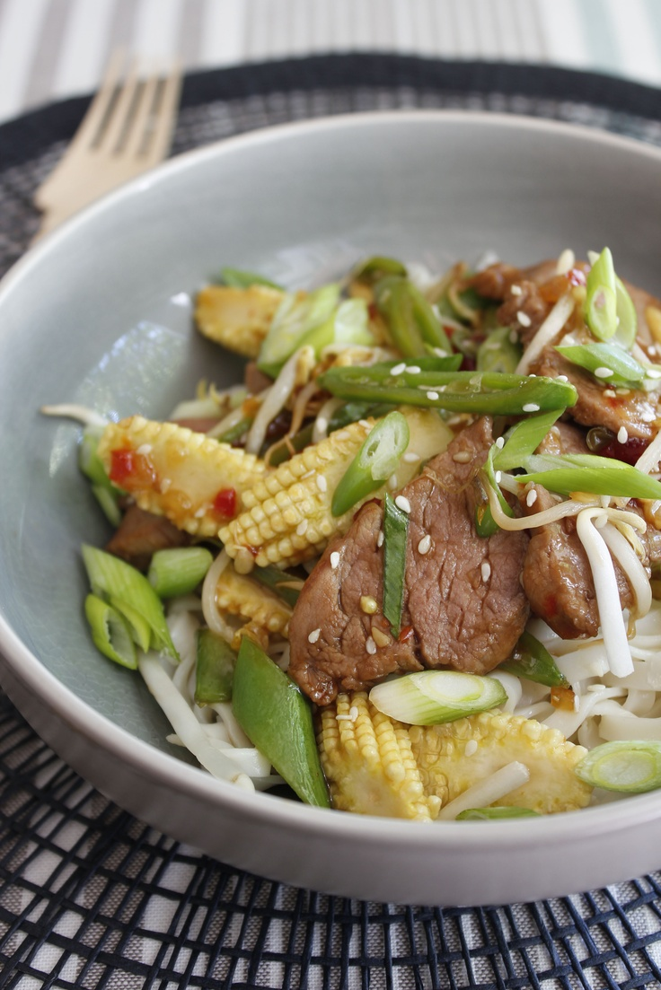 Pork sirfry with baby corn, sugar snaps, bean sprouts and egg noodles - http://hometalk.homechoice.co.za/content/pork-stirfy-baby-corn-sugar-snaps-bean-sprouts-and-egg-noodles