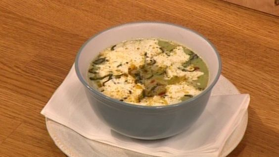 For a really quick winter warming lunch, try this cauliflower and broccoli soup. Catch up with Let's Do Lunch on ITV Player