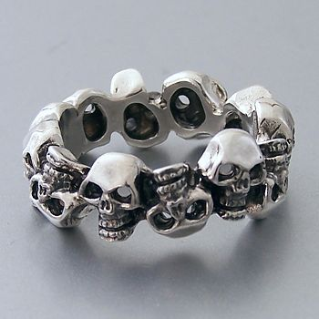 Skulls Ring #skull #ring #accessory