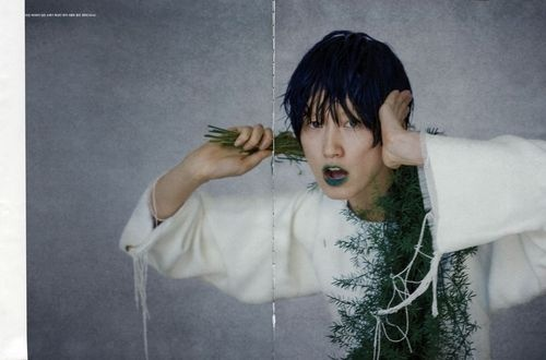'miss invisible'-photographer: Bon Chang Koo- Vogue Korea April 2013
