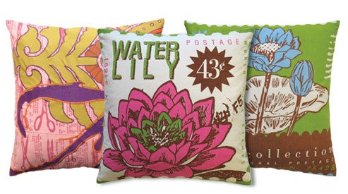 Vibrant Accent Pillows.: Vibrant Accent, Outdoor Pillow, Outdoor Patios, Vibrant Outdoor