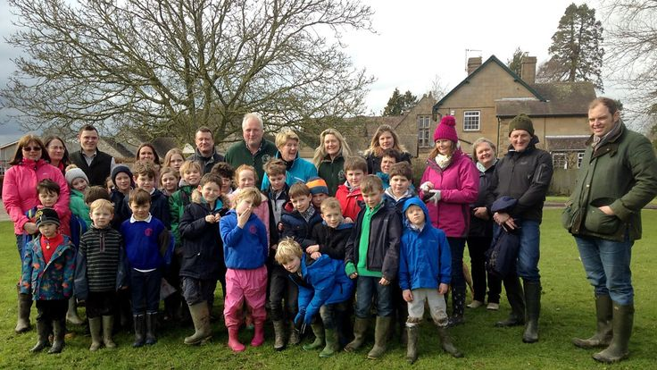 Clare Balding joins a lively primary school walking club in the Dorset countryside. http://www.bbc.co.uk/programmes/b072n5xk