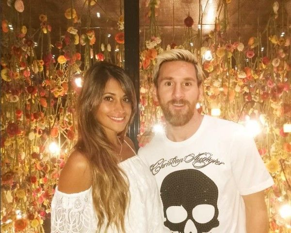 Leo Messi & Girlfriend Antonella Rocuzzo Engaged - Here's The Truth - http://www.morningledger.com/leo-messi-girlfriend-antonella-engaged/13129524/