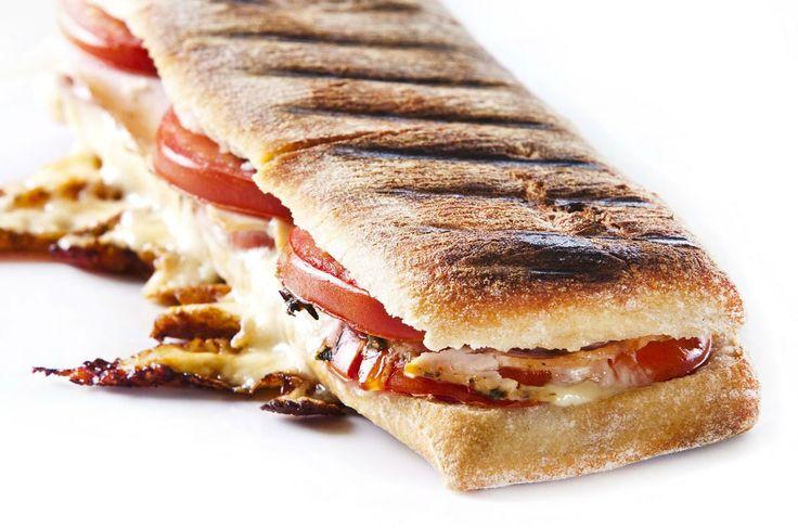 Panini Kalkoen & Mozzarella  - http://www.pizza.nl/uncategorized/panini-kalkoen-mozzarella