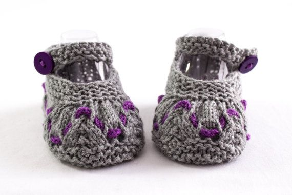 Hey, I found this really awesome Etsy listing at https://www.etsy.com/listing/182925061/hand-knit-baby-girl-booties-baby-girl