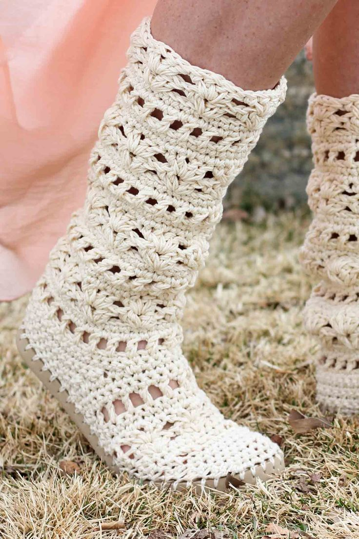 Whether you're headed to Coachella or your local concert in the park, this crochet boots pattern for adults will complete your boho-inspired outfits all season long! Made with Lion Brand 24/7 Cotton in Ecru.