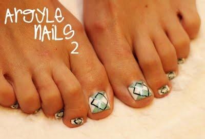 polka-dotted elephants: Argyle Nails 2