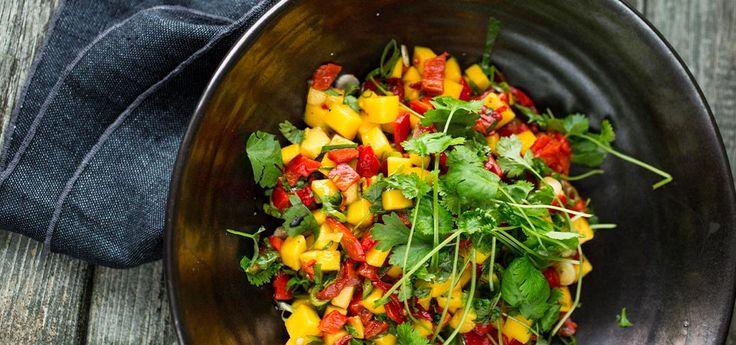 Bilde av grillet paprika, mango og chilisalsa