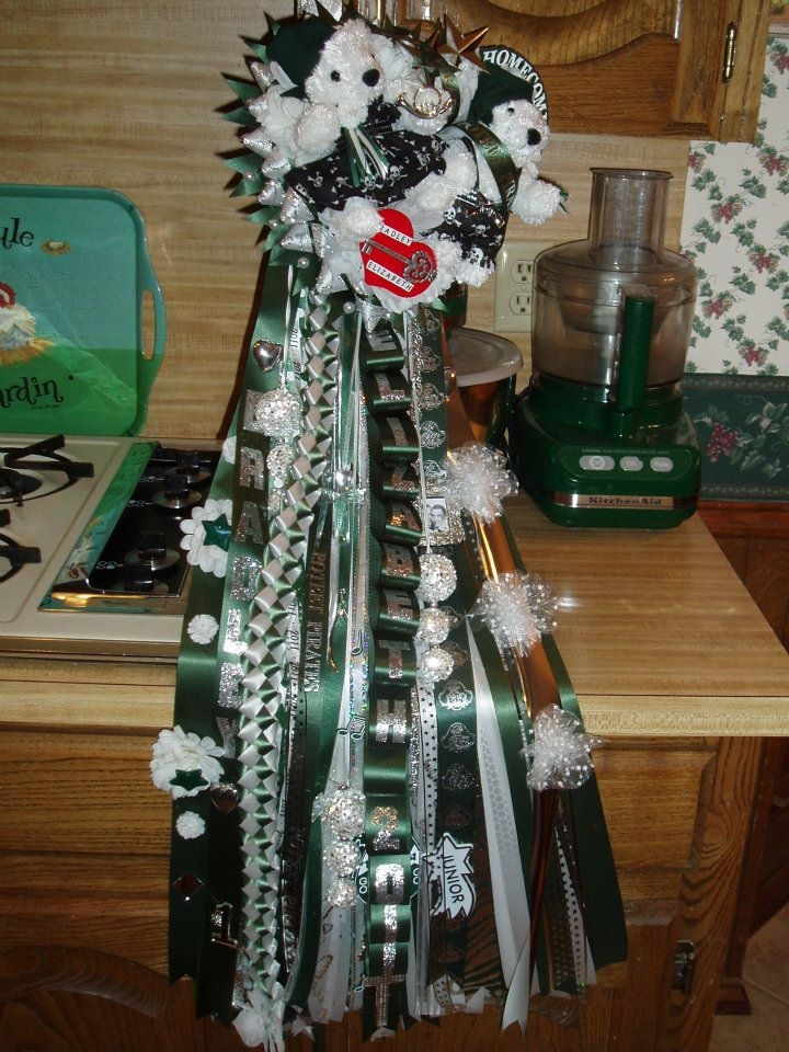 everyday treasures fromThe Domestic Curator: Traditional Texas Homecoming Mums