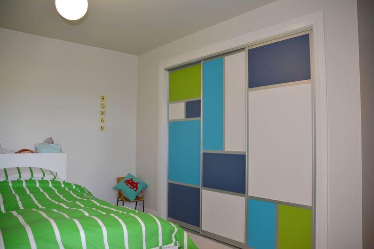 Sliding doors kids room // Innovative Interiors