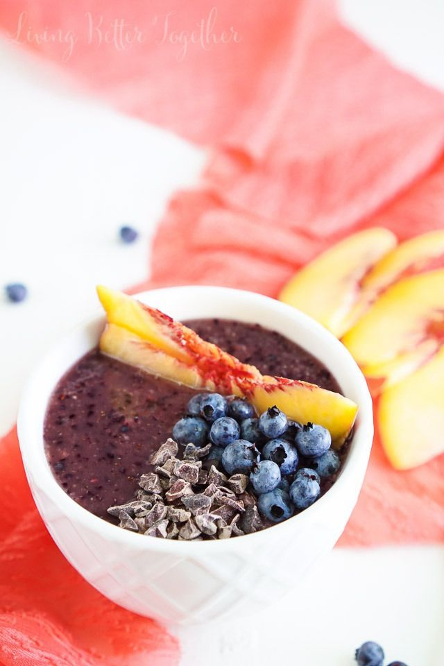 This simple and light Blueberry Peach Smoothie Bowl is both gluten and dairy free. Blend it up in minutes for a breakfast that's loaded with antioxidants, calcium, and flavor! #SwapMilk4Silk [ad]
