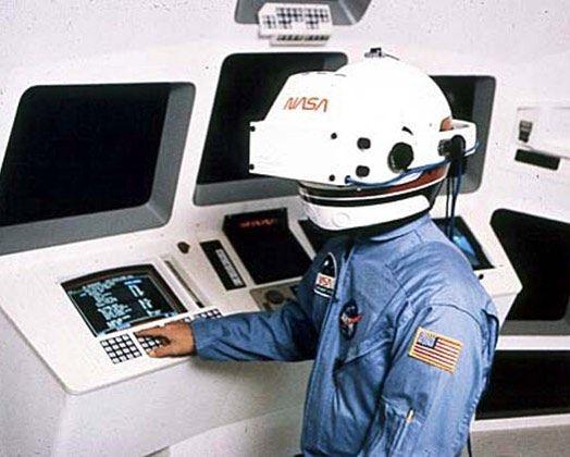 210b16cfe34 80 s NASA Virtual Reality