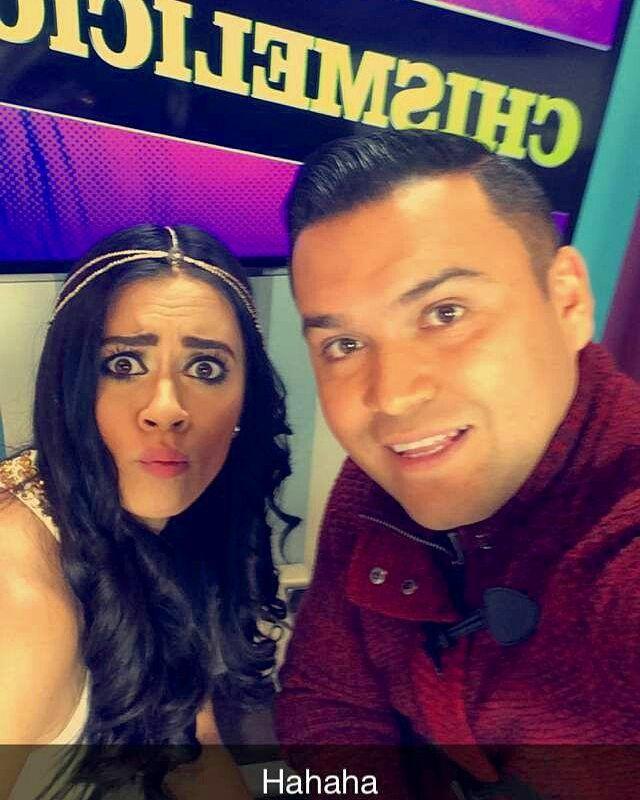 Grabando #chismelisioso con @VivianFabiolaV #clevverteve #chismes #farandula #hollywood #losangeles #youtubers #likeforlike #reporteros #hosts Shooting #chismelisioso by mariopereatv