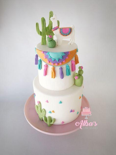 Lama-Torte Eine Lama-Party besticht durch die wunderschönen Farben und das liebevolle Gesicht der Lamas. Vielen Dank für diese schöne Idee! Dein balloonas.com #kindergeburtstag #motto #mottoparty #kids #birthday #party #lama #kaktus #mexiko #buffet #idee #idea #einladung