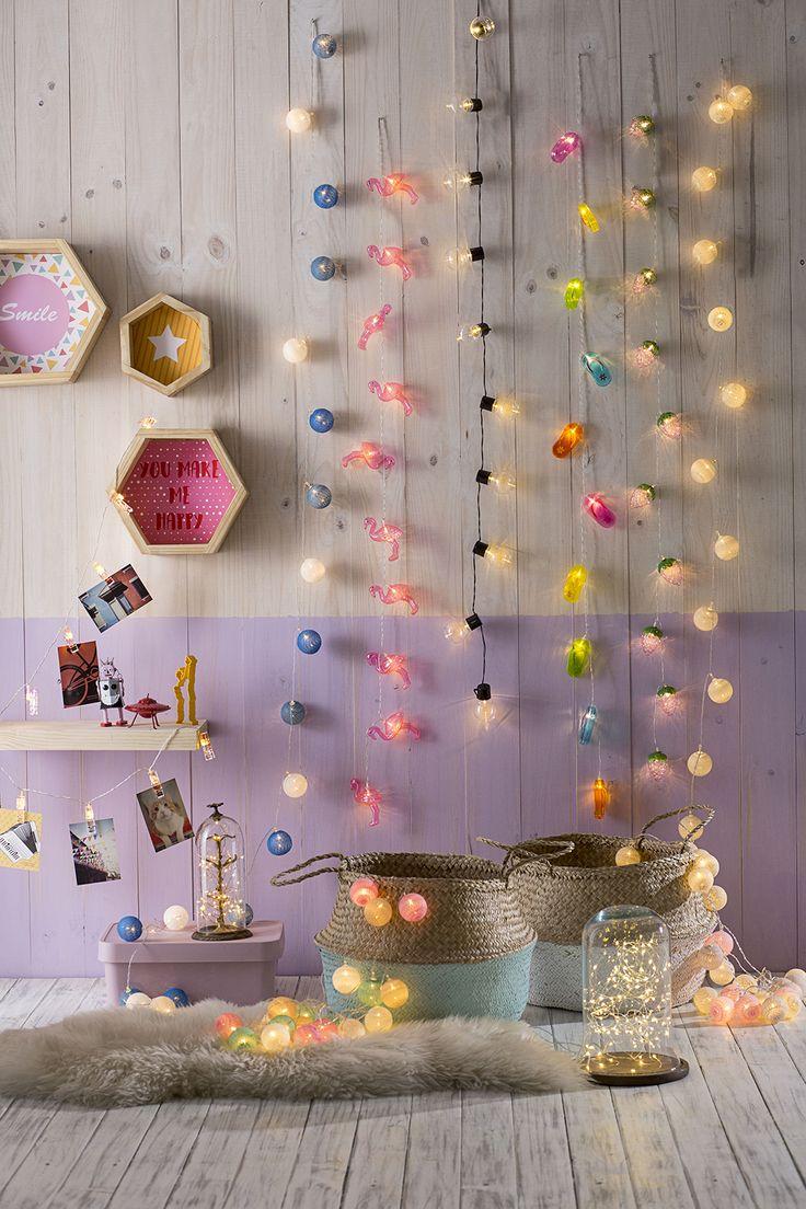 Decorar con guirnaldas de luces es un recurso versátil y entretenido para todos los espacios de tu hogar.#Easytienda #Decoración #Iluminación