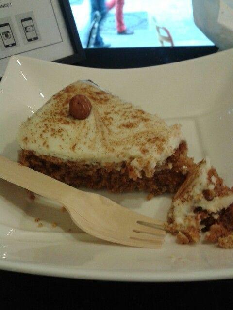 Le carot cake de john' bagel station. Trop trop bon...
