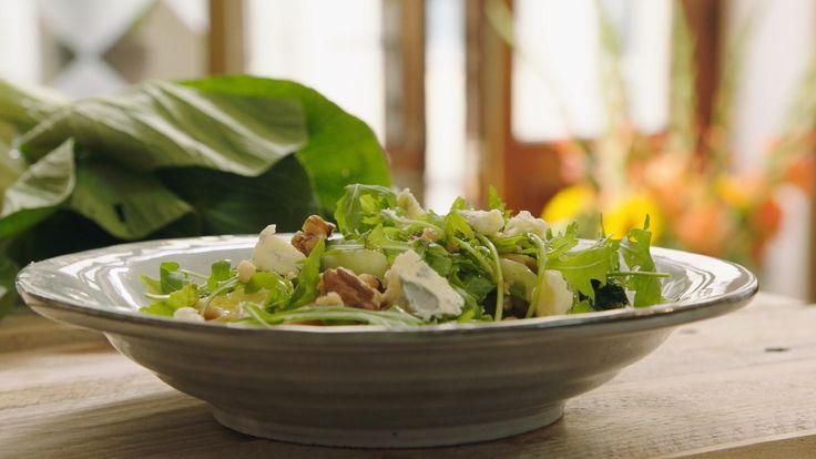 Jeroen maakt een stevige vegetarische pasta met oesterzwammen, blauwe kaas en noten. De herfst is bij deze officieel begonnen!