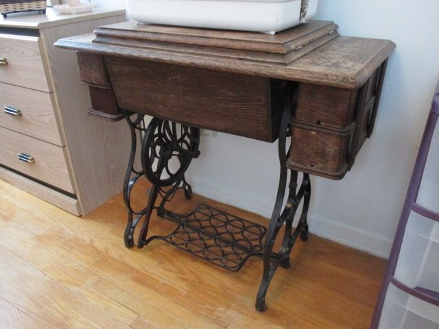 ANTIQUE SINGER SEWING MACHINE Estate sale from charming Alta Vista home – 2141 Beaumont Road, Ottawa ON. Sale will take place Saturday, March 12th 2016, from 9am to 2pm. Visit www.sellmystuffcanada.com for thousands of eclectic estate sale photos uploaded weekly! #2141BeaumontRoad #AltaVista #Ottawa #EstateSale #SellMyStuffCanada