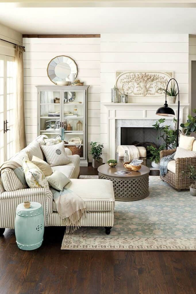 29 Farmhouse Living Room Ideas In 2021 A Charming Style Farm House Living Room French Country Living Room French Living Rooms
