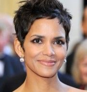 Halle Berry Functional Tips of Natural Hairstyles for Weddings | Hair Summary
