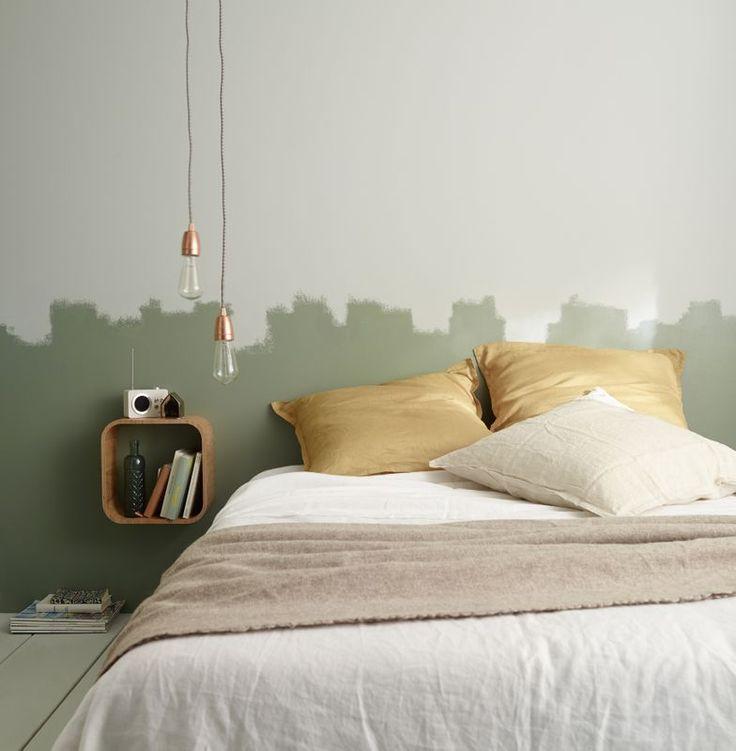 Faites une tête de lit originale avec deux peintures différentes dans les tons…
